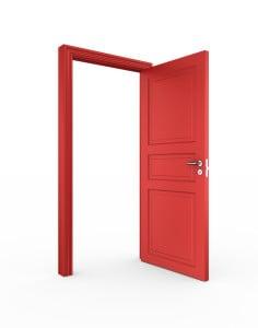 otevřené otočné dveře