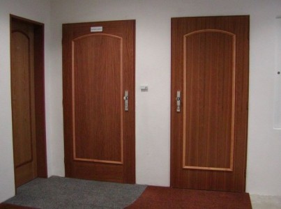 Bezpecnostni dvere do bytu