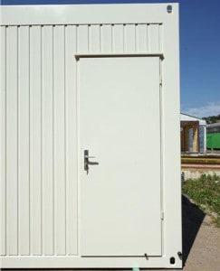 plechové dveře 2