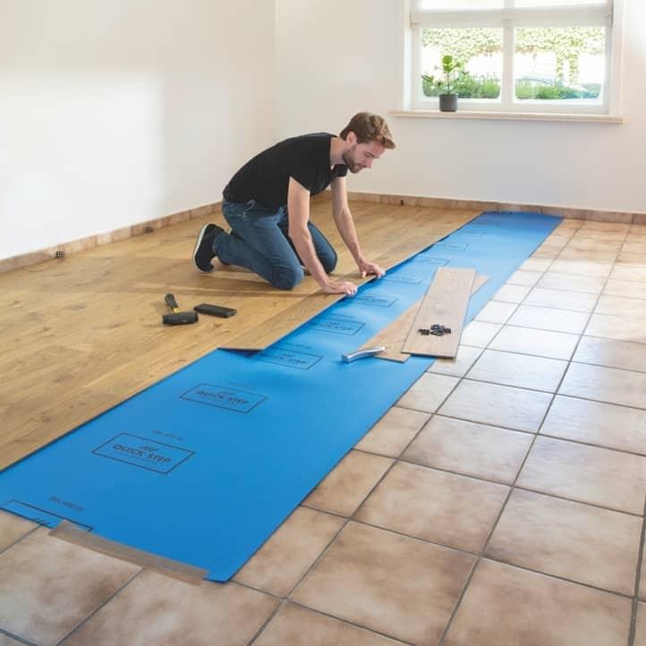 Obrázek: Pokládka nové podlahy
