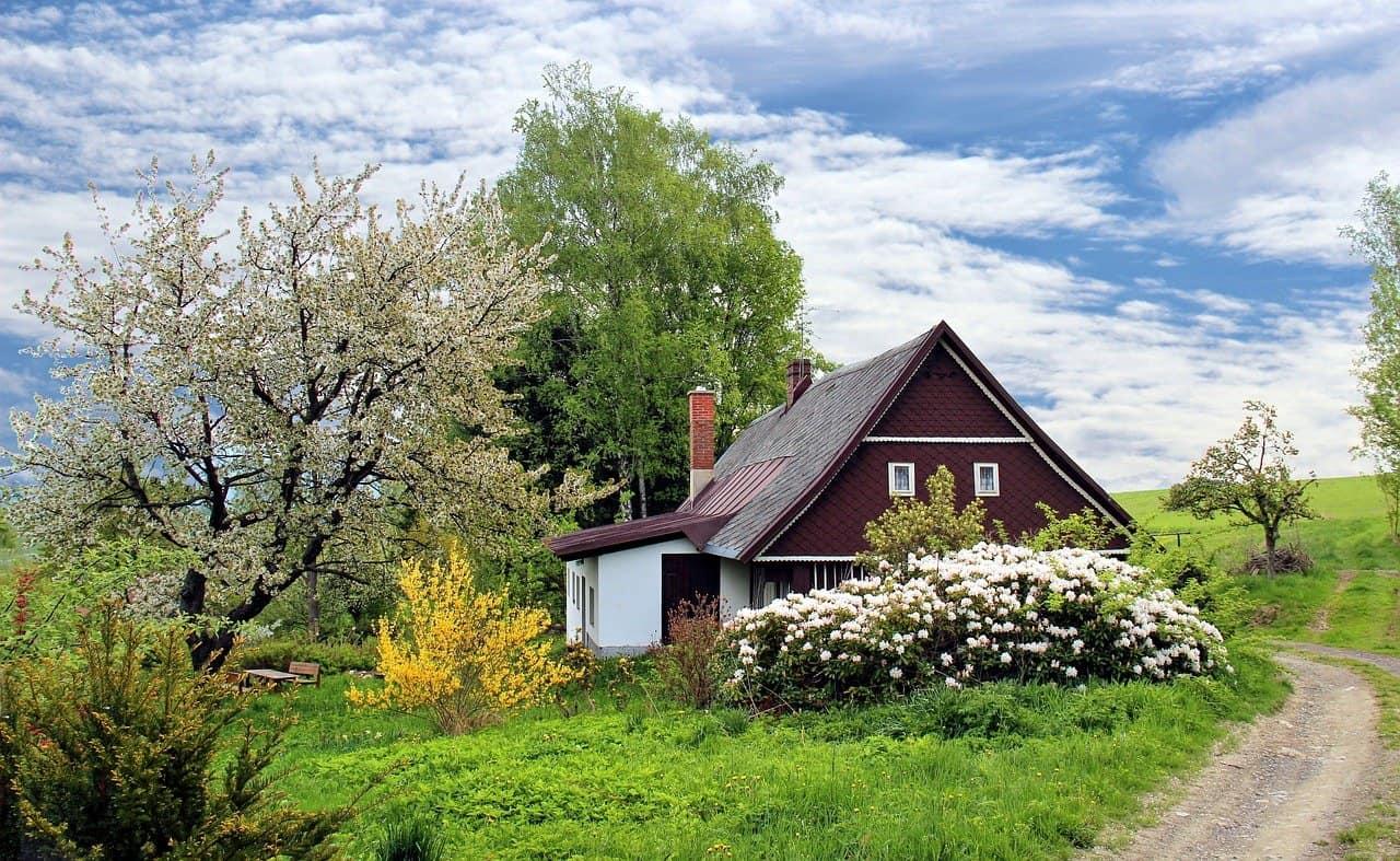 Obrázek: O bydlení na chalupě je stále větší zájem