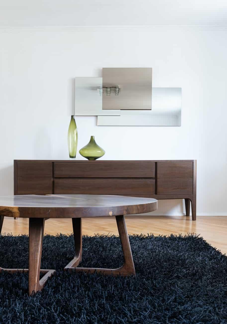 Pokud preferujete v interiéru koberce, pak se v kombinaci s podlahovým topením vyhněte velkoformátovým kobercům i kobercům s vysokým vlasem (tzv. shaggy)